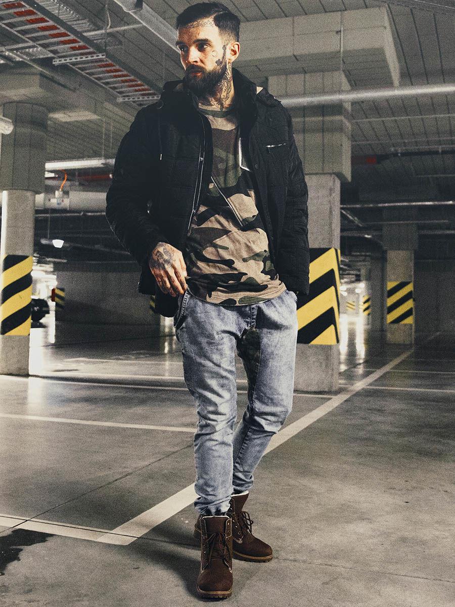 pol_pl_Stylizacja-nr-130-kurtka-przejsciowa-longsleeve-z-nadrukiem-spodnie-jeansowe-buty-48694_1.jpg